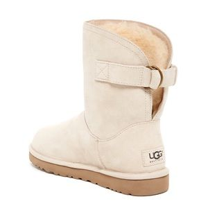 UGG Remora Boots